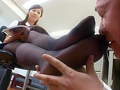 was and tt sub gets her clamped pussy spanked casually, not the expert?