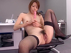 Maki Hojo amazing scenes of dazzling porn at the office