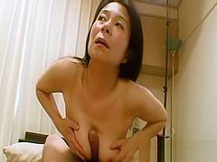Akiko Oda - Sagging Breasts JAV Mom Creampied By A Young Penis