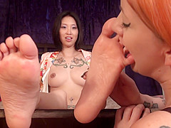 POTS Sexy tattooed asian girl feet/soles/toes worship
