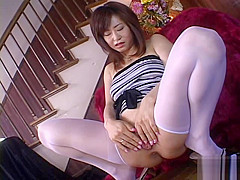 Sexy MILF In Stockings Shaves Her Hairy Pussy Clean