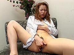 Ayumi Natsukawa pussy masturbation