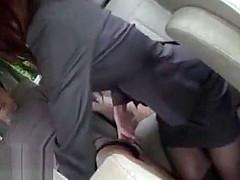 外回り営業中の美人OLさんにとびっ子装着させて街中で感じた後は車の中でデカチンをフェラチオ