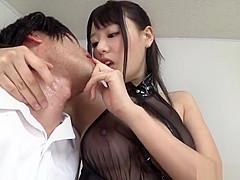 【浜崎真緒】スケスケボンテージ衣装のお姉さんがM男のチンポをフェラしながら指ずぽオナニー