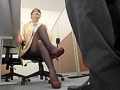 【高岡すみれ】新人の男性特命秘書教育のために自らのオマンコを使って接待術の極意を徹底指南!