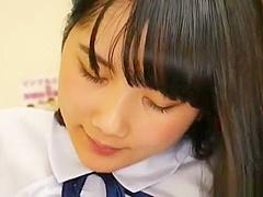 【宮崎あや】黒髪女子高生が保健室でバイブオナニーでイッタ所に先生がきて先生のチンポをフェラして口内発射