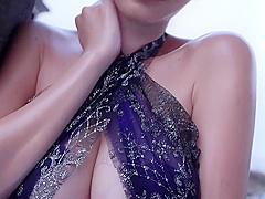 【杉原杏璃】トップグラビアクイーン・杉原杏璃のイメージ。下乳丸見え衣装で悩殺