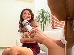 Busty asian babe showing her fine part2