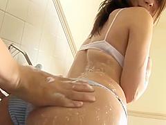 【鷹羽澪】Iカップ99cmの澪ちゃんがバスタブで体を洗われてるイメージビデオ