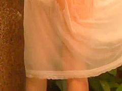【木口亜矢】抜群のプロポーションのお姉さんが服のままプールに入ってグラビア撮影