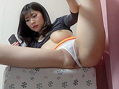 Hidden cam under the desk Yuuna Ishikawa