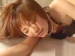 Oriental hottie showcase her sexy body