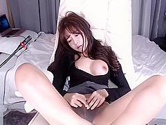 Korean 18yo babe in tan pantyhose