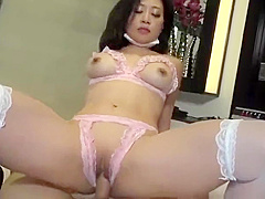 Japanese hot mom gets dirty sex