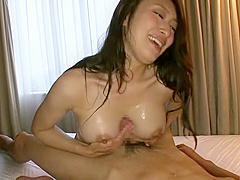 Honey breasty Japanese Reiko Kobayakawa gives a magic blowjob