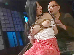 Japanese beauty enjoys tight bondage and being disciplined