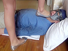 Stunning Japanese mistress found a perfect male slave for her foot fetish