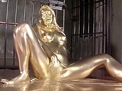 COPPER-GOLDEN PAINT SLAVE MAIKA masturbation