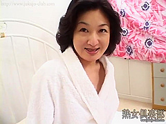 Celebrity Mature Woman In Her 40s With Deep Pubic Hair Panting With Vulgar Face Kyoko Iijima