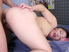 Nude Beauty Provides Japanese Blowjob Before Sex