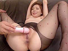 Maki Mizusawain Steamy Asian Blowjob Porn Show