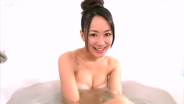 Lovely Jap Teen Shows Her Great Body