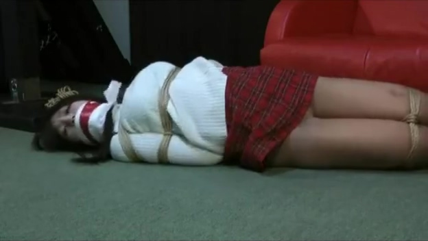 Tribbing schoolgirl pissing gloryhole