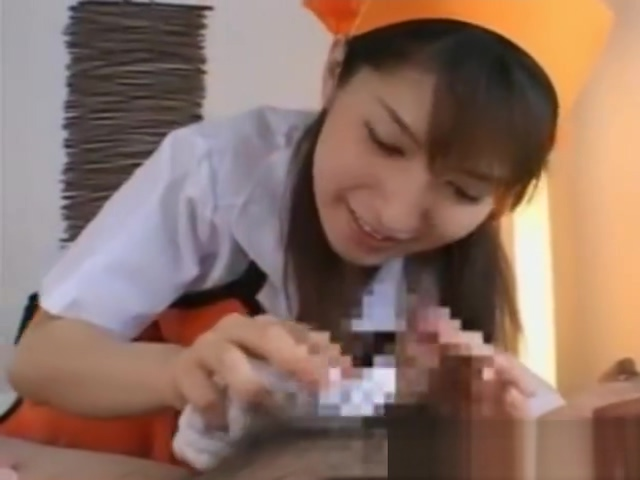 【南波杏】何日も風呂に入っていない患者のオシッコお漏らしした紙オムツを取り払い汚れた身体を舌で綺麗にしてくれる美人ナース